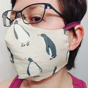 Penguin face mask with 2 shop towel filters
